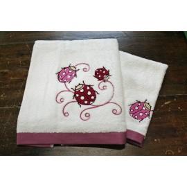 Coppia asciugamani da bagno con coccinella
