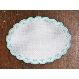 Oval 2-in-Aida fabric - col. White contours in the water-marina