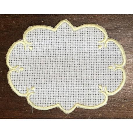 Ovale 3 in Tela Aida - col. Bianco con contorni gialli