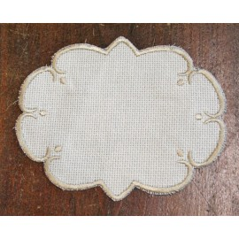 Oval 4 in the Aida fabric - col. White contours in beige