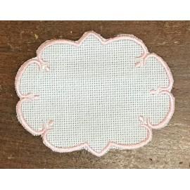Ovale 4 in Tela Aida - col. Bianco con contorni rosa