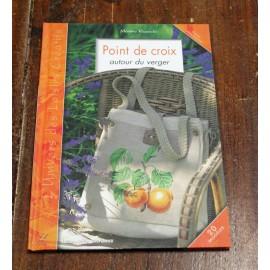 The book Point de croix