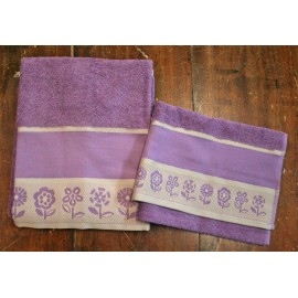Couple bath towels with. Mink