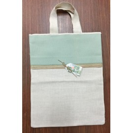 Shopping bag in fabric with apples