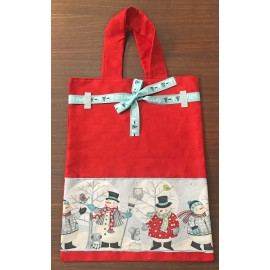 Shopping bag in red fabric with snowmen