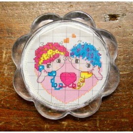 Key ring in plexiglas to embroider