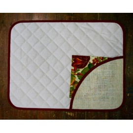 Placemat-american with a napkin leaves