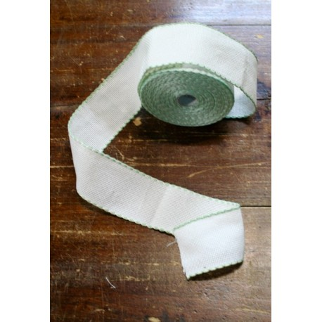 Edge to the aida fabric to 55 holes h 5 cm - Color White/light Green