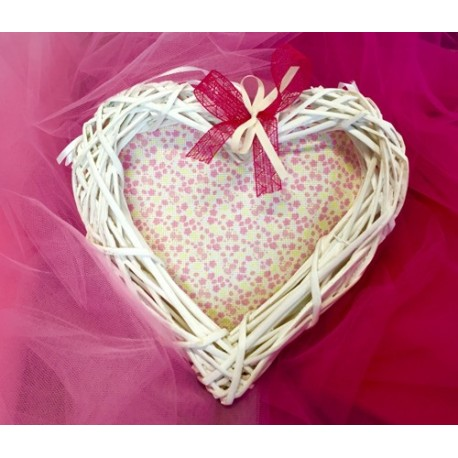 The heart of tendril embroidery - pink