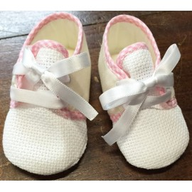 Shoes for newborn with. Pink