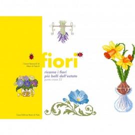 I lavori femminili di Mani di Fata - Fiori, ricama i fiori più belli dell'estate - punto croce 33